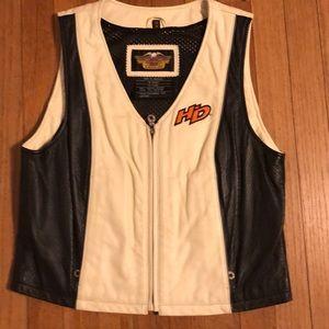 Like new women's Harley Davidson leather vest